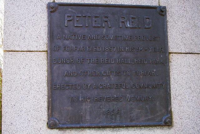 Plaque on Peter Reid statue in Reid Park, Forfar