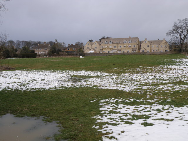 New houses at the old garage site. Oundle