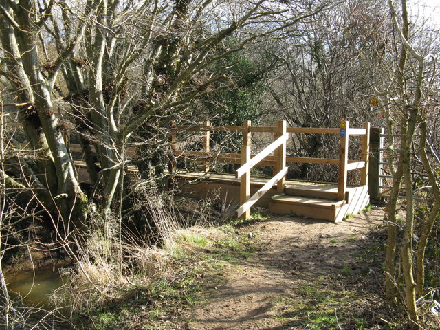 New footbridge over stream at Stream Mill