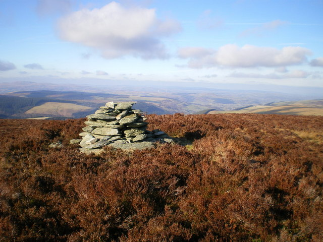 Cairn on the hillside above Llechwedd Groes