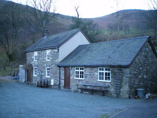 Glan-yr-afon cottage
