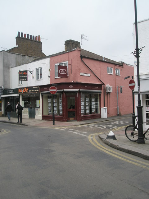 Junction of St Leonard's Road and Russell Street