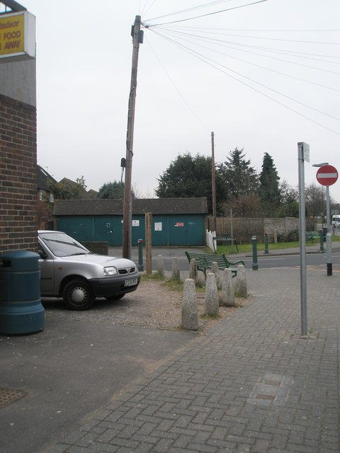 Seat at the junction of St Peter's and St Luke's Roads