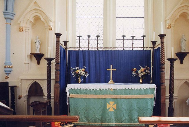 Church of the Holy Spirit, Newtown - Sanctuary