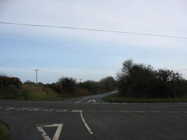 Country crossroads near Porth y Gadfa