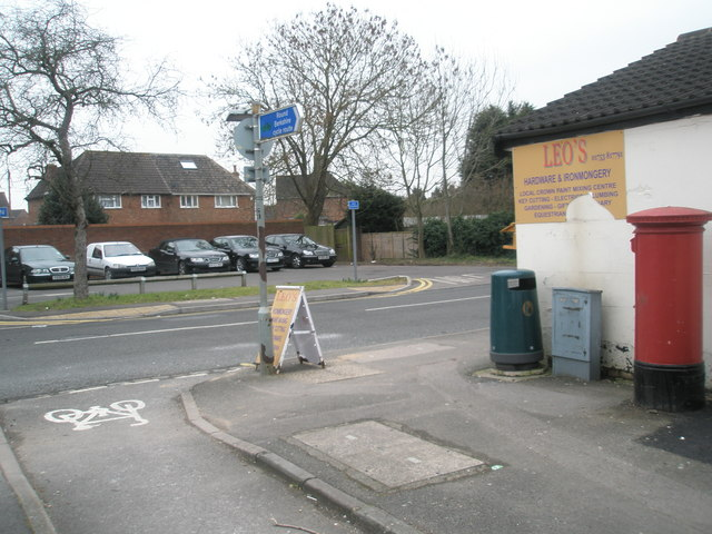 Postbox at the junction of Albany and St Luke's Roads