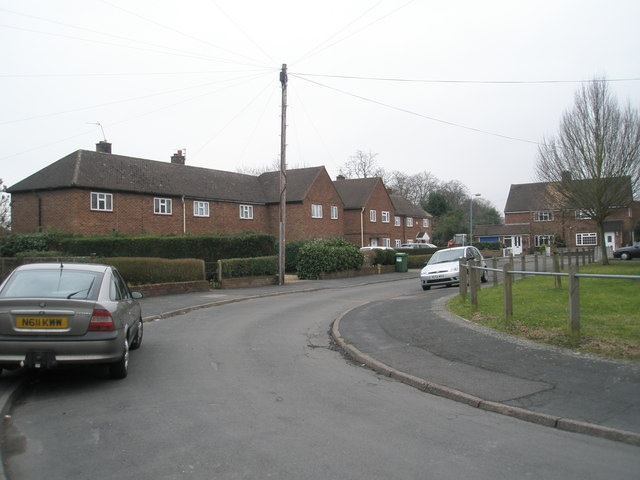 Top end of Lyndwood Close