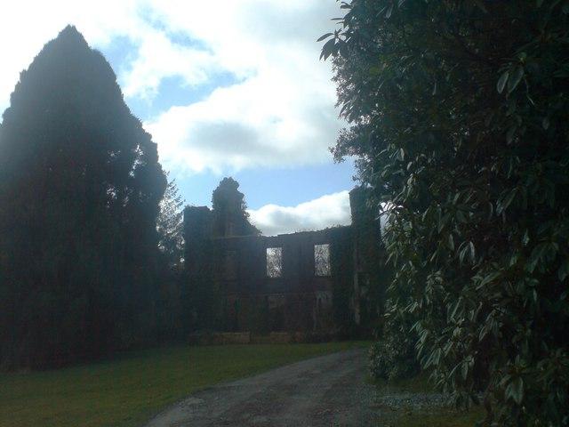 Plas Crwn ruin in Llanddewi Velfrey Parish