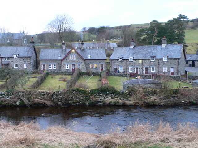 Houses along the bank of the Conwy, Ysbyty Ifan