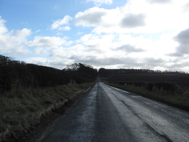Minor road heading for Edgehead