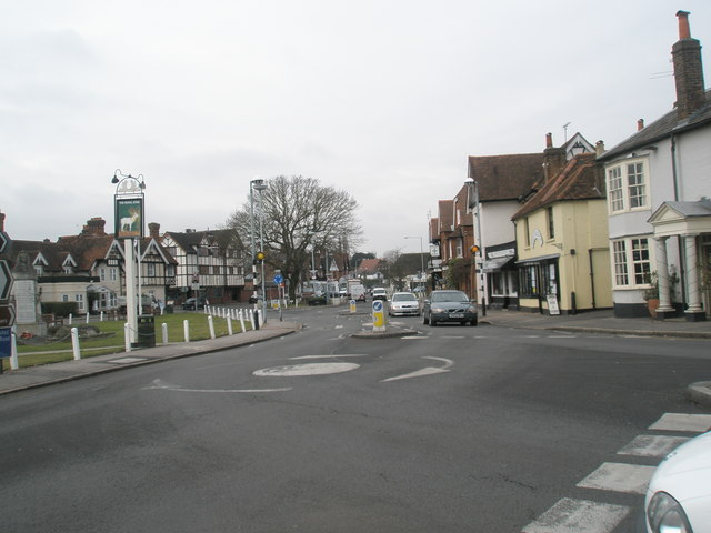 Spot-roundabout by The Stag in Datchet