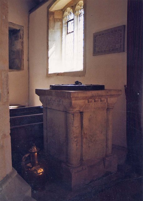 St Peter & St Paul, Mottistone - Font
