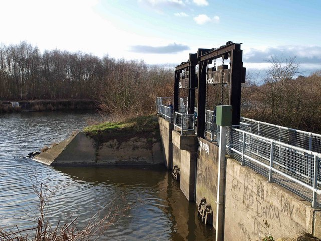 Sluice gates from 'The Cut' at Fairburn