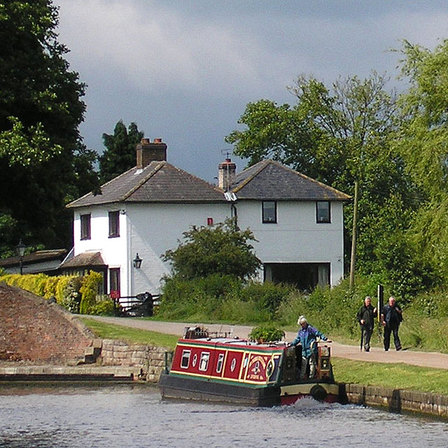 Ready for the lock, Fradley, Staffordshire