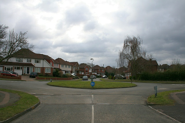Roundabout, Buckland Road and Abinger Avenue