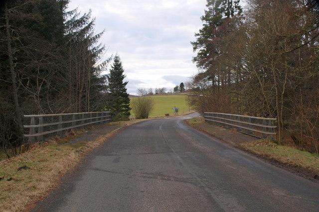 Bridge over Inzion Burn near Lintrathen Loch