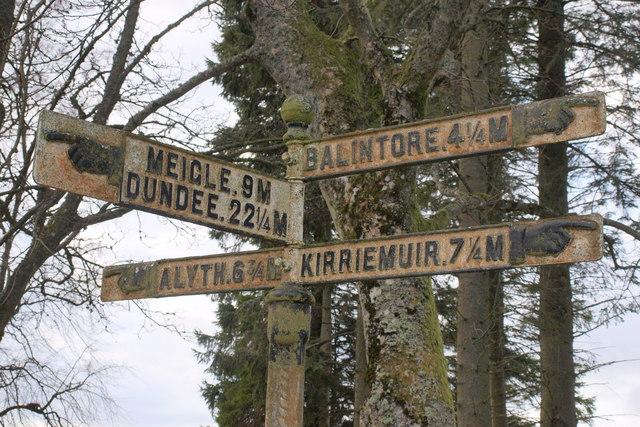 Old Finger Direction Road Sign at Bridgend of Lintrathen Village