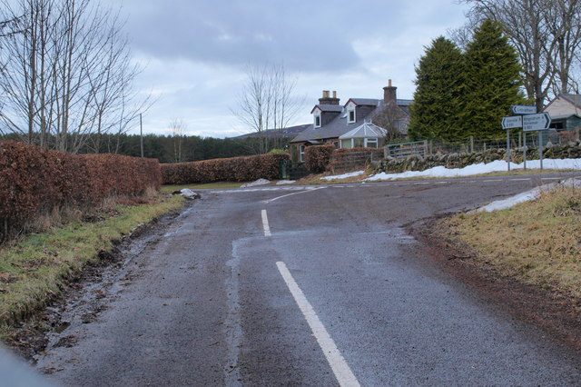 Bridgend of Lintrathen / Saw Mill Road at its junction with Kirriemuir / Glen Isla Road