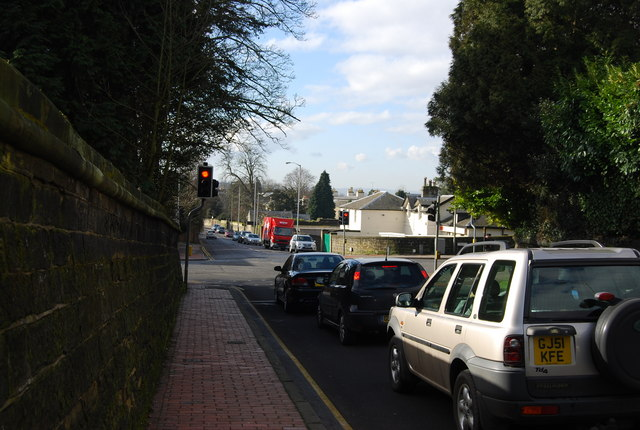 Traffic lights at the end of Pembury Rd