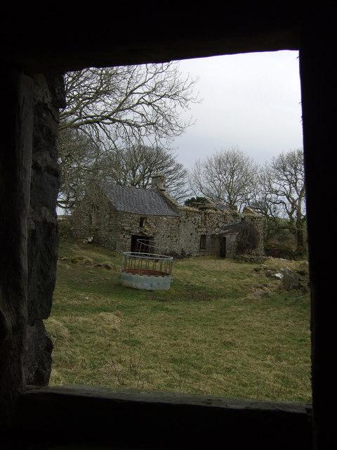 Trellwyn-fach, framed