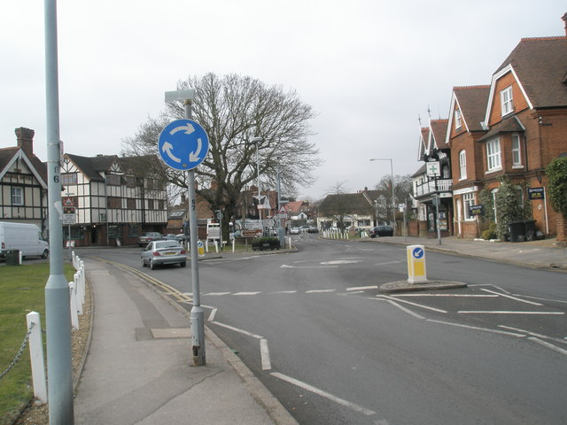 Spot-roundabout in Datchet village centre