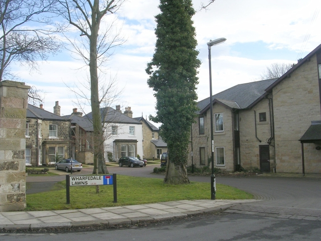 Wharfedale Lawns - West Gate
