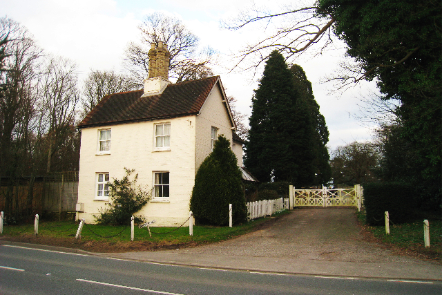 House at Entrance to Iridge Place
