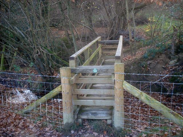Footbridge near Barn Farm - 2
