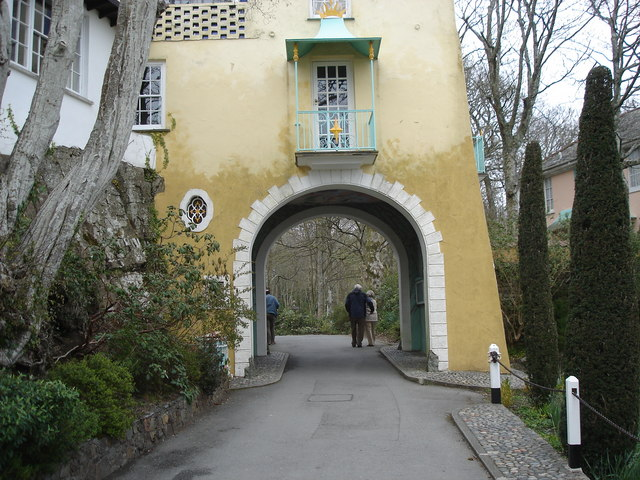 Portmeirion - an archway