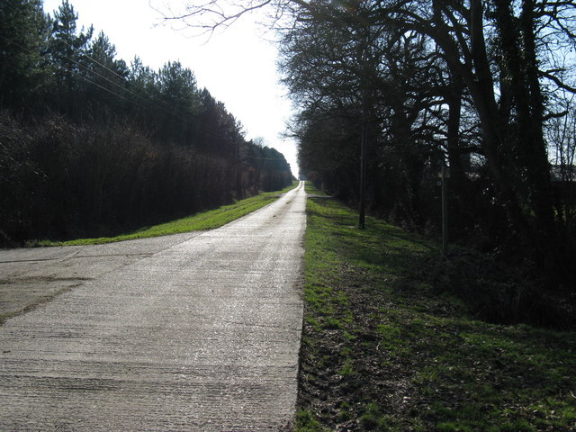 Footpath heading SW towards Laughton House