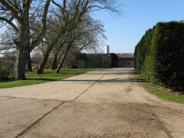 Farm buildings on Laughton Park Farm