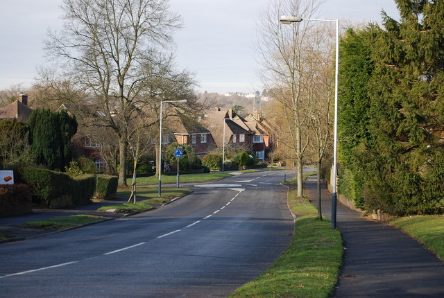 Roundabout, Farmcombe Rd & Delves Avenue