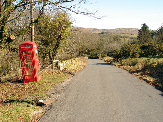 Road from Hexworthy to Huccaby