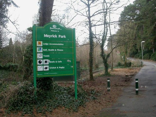 Meyrick Park, signpost