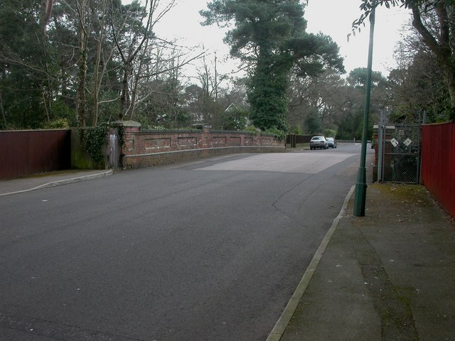 Bournemouth, Elgin Road bridge