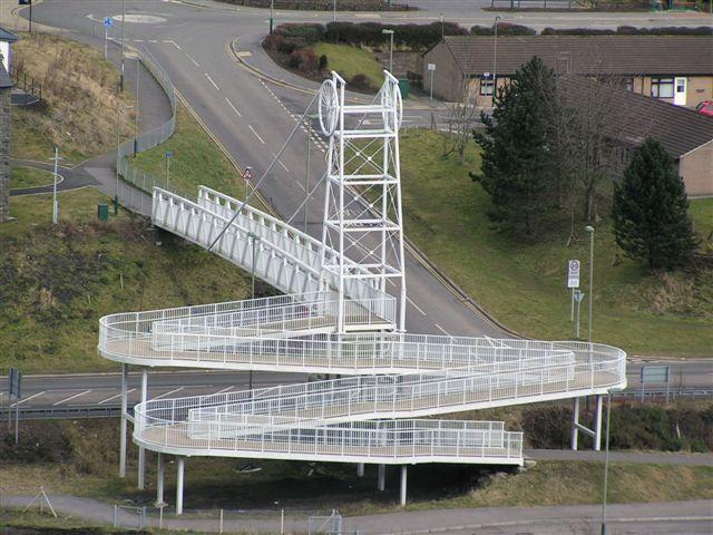 New footbridge over Whiterose Way