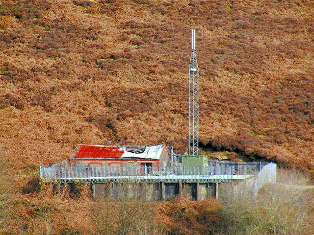 Hillside mast