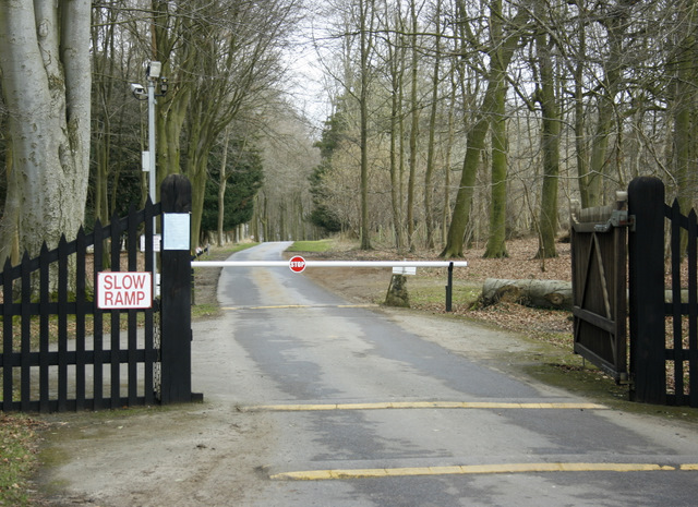 2009 : Bowood Estate, tradesmens entrance