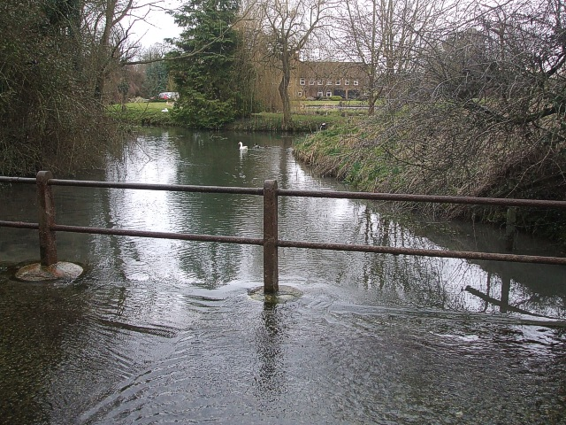 Stream at Edlesborough - View southwards
