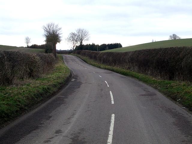 Lane from Edlesborough to A4146