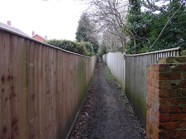 Footpath north of Bafford Approach