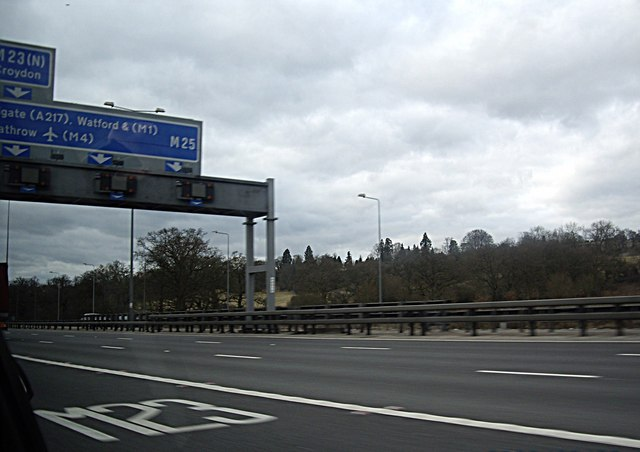 Approach to M25/M23 junction