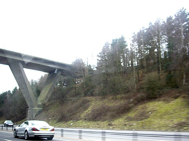 A high bridge over M23