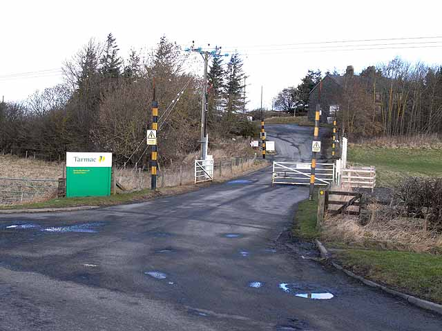 Western entrance to Barrasford Quarry