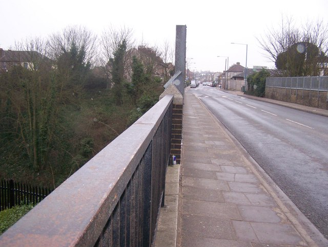 St Vincents Road bridge over railway