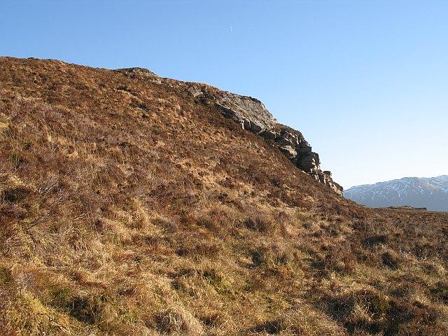 Small crag, Carn nan Iomairean