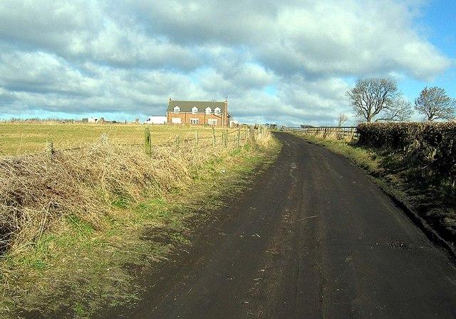 Farm Track towards Barnes West Farm