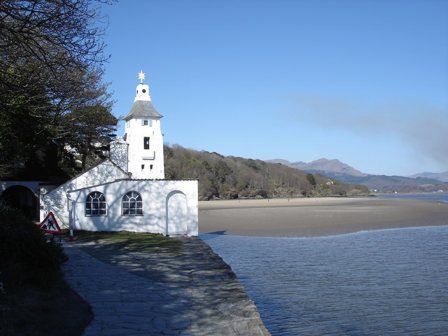 Portmeirion - observatory tower