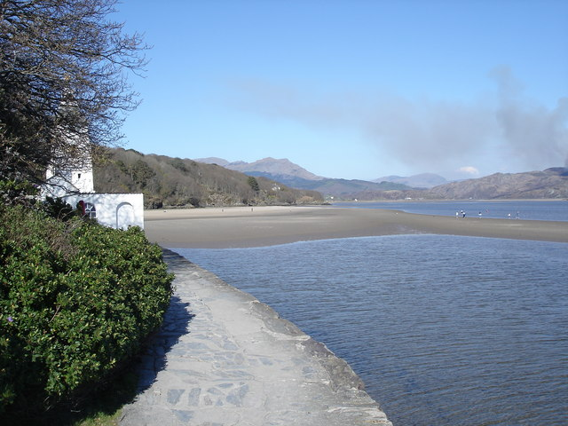 Portmeirion - observatory tower and Glaslyn Estuary