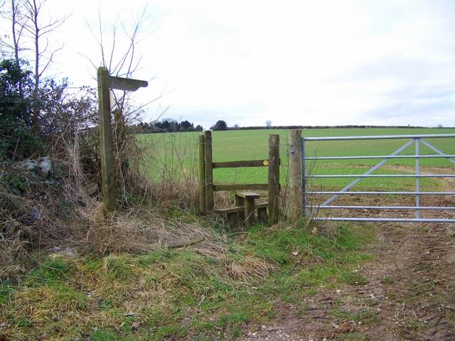 Stile near Martin Drove End